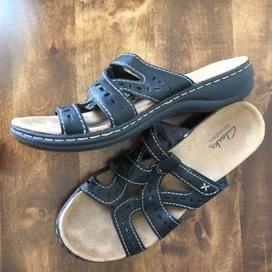 Clarks Lightweight Bendable Sandals Like New